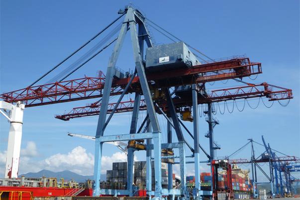 ВСК предлагает к продаже причальный контейнерный перегружатель   ВСК предлагает к продаже причальный контейнерный перегружатель Мицуи Пасэко Мах Портейнер